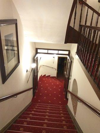 Hotel Post: IMG_20170524_224932_large.jpg
