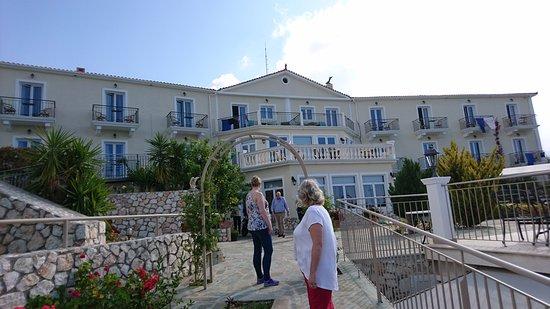 Trapezaki Bay Hotel: DSC_0151_large.jpg
