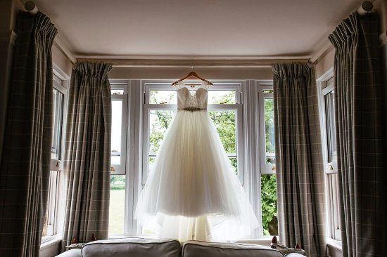 Burythorpe, UK: Big windows with a lovely view!