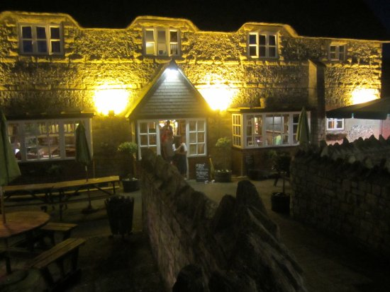 Stratton, UK: Frontage of the pub.