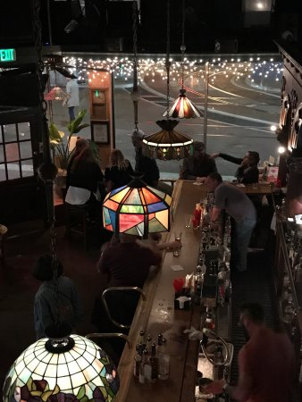 Twin Peaks Tavern: May 2017
