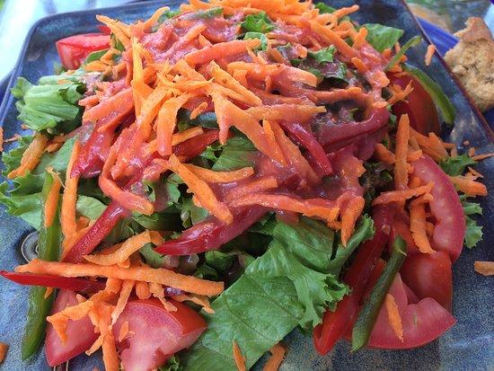 Nirvana Restaurant Retreat: Salad