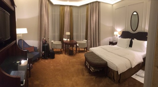 Excelsior Hotel Ernst Picture