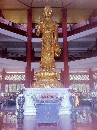 Chongsheng Three Pagodas: temple