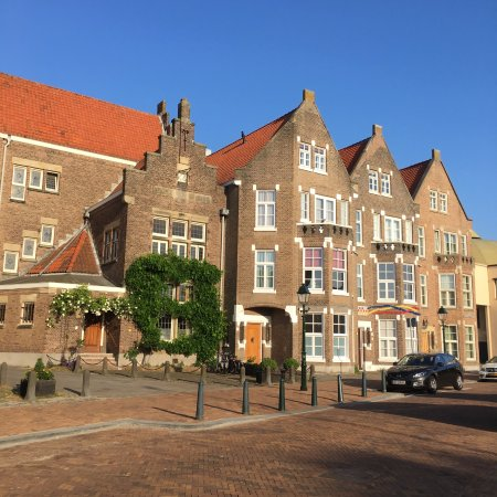 Ambassade Arena Aparthotel: Kropholler Rijksmonument on the Berkenbosch Blokstraat