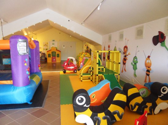 Lapinjarvi, Finland: The large indoor playground (100 square meters)
