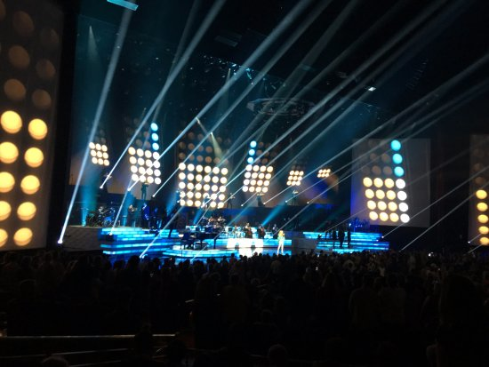Celine Dion at the Colosseum at Caesars Palace  Fantastic lighting and  staging Fantastic lighting and staging    Picture of Celine Dion at the  . Fantastic Lighting. Home Design Ideas