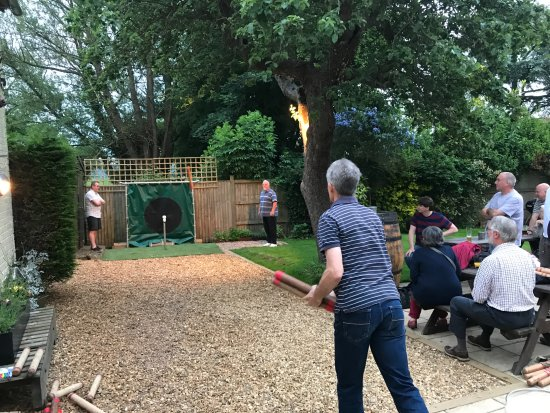 Sydenham, UK: Aunt Sally Game - Friday Evening