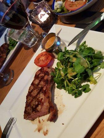 Firehouse Bar and Grill: Top Qualität und medium rare erhalten wie bestellt.