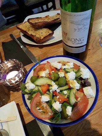 Firehouse Bar and Grill: Griechischer Salat