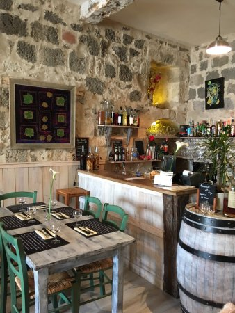 Sos, France: Très joli décor , en accord avec la cuisine produits de qualité et très bien cuisines