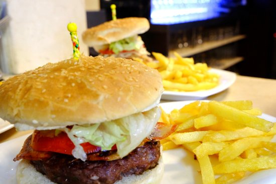 Padul, Spanien: D´amilia Restaurantes