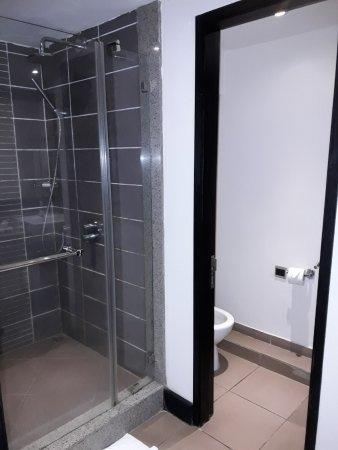 Pearle Beach Resort & Spa: Toilette separat