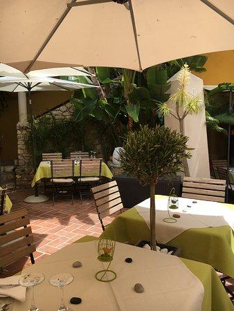 Restaurante Dos Artistas: Le Patio