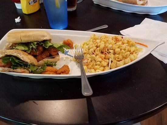 Honeoye, NY: Shrimp poboy w/macaroni salad