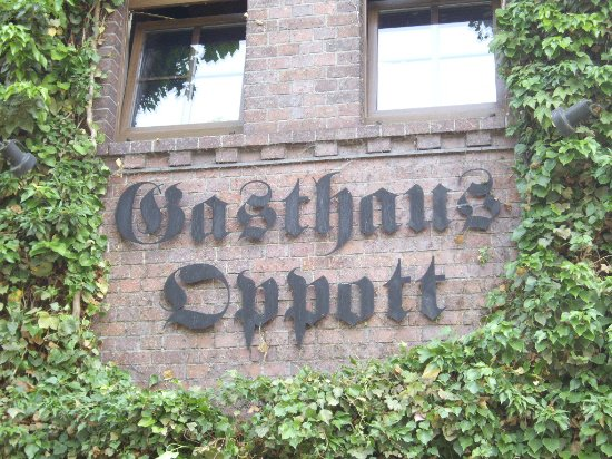 Brandenburg, Germany: Gasthasu Oppott