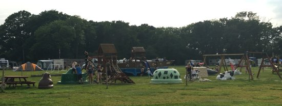 Henfield, UK: Plenty to keep the kids entertained.