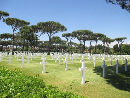 Sicily Rome American Cemetery and Memorial: Cimitero