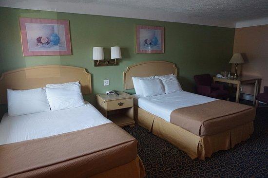 Bellevue, Ohio: Room
