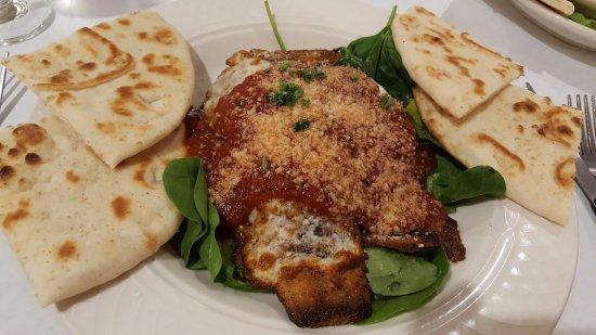 Acropolis cuisine mediterranean restaurant 3841 for Acropolis cuisine metairie