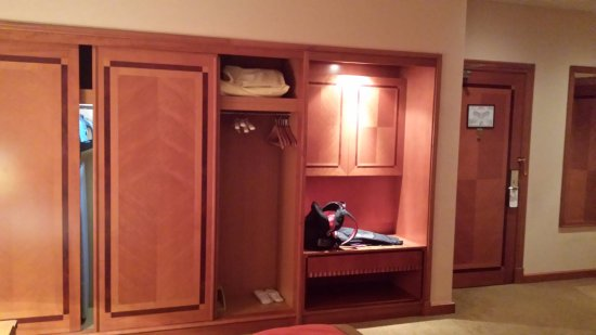 Al Raha Beach Hotel: Room 1