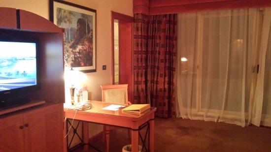 Al Raha Beach Hotel: Room 2