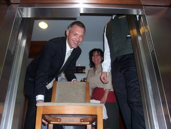 K+K Hotel Cayre: Rescued by cheerful staff from elevator