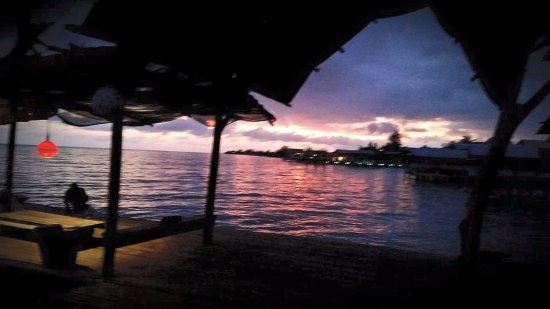 Utila, Honduras: Looking west into the sunset from our dock