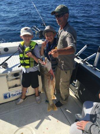 South Baymouth, Canadá: Happy boys and the Captain!