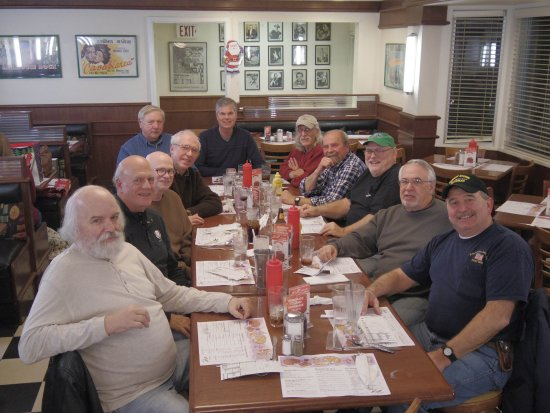 Brooklyn Center, MN: Bimonthly meeting of Class of '68 grads