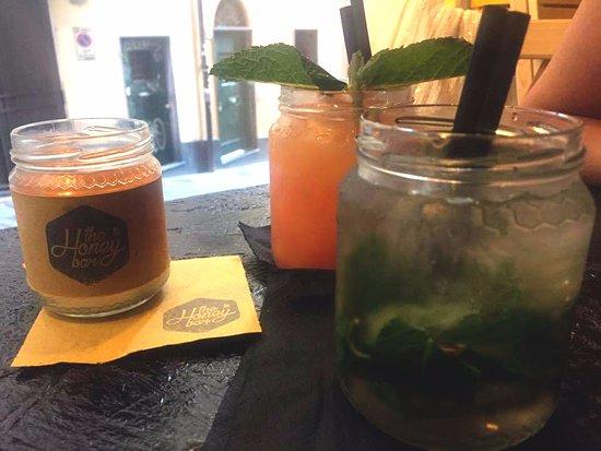 Genova, Colombia: Mojitiglio e Analcolico frutta e miele