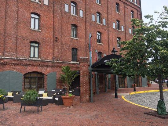 Inn at Henderson's Wharf: photo2.jpg