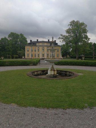 Marsta, Sweden: Steninge slott
