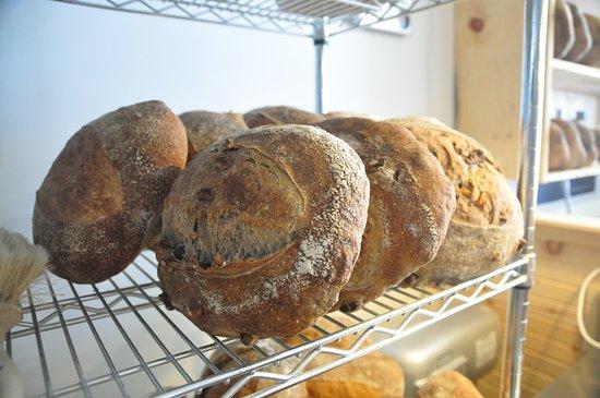 L'Anse-Saint-Jean, Канада: Notre pain frais du four!
