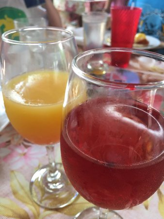 Bright Mornings Cafe: Poinsettia and mimosa!!