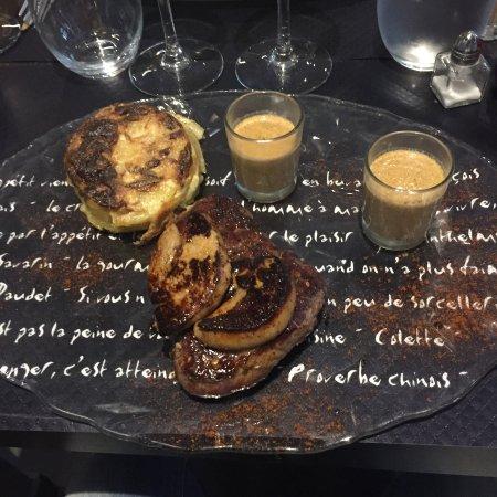 Saint Maurice, France: Filet de boeuf et son foie gras chaud + gratin dauphinois + crème aux piments d'Espelette