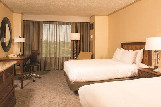 DoubleTree by Hilton Hotel Tulsa - Warren Place