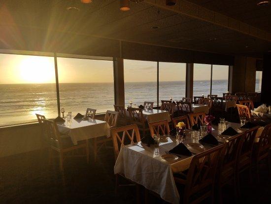 Shilo Restaurant: Beautiful sunsets