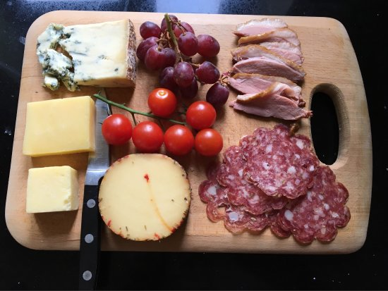Newent, UK: Bought some lovely cheeses, smoked duck and fennel salami for a deli board.