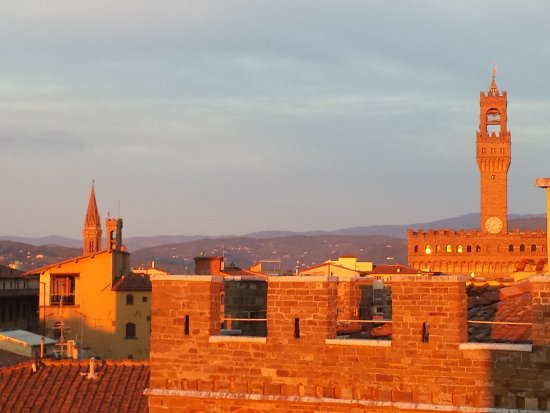 Antica Torre di Via Tornabuoni: View from the rooftop terrace lounge and restaurant.