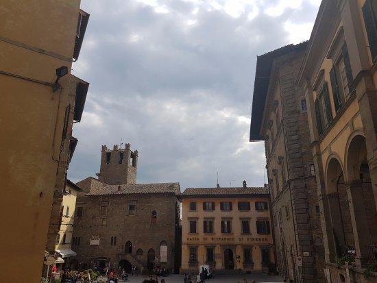 MAEC - Museo dell'Accademia Etrusca: Vista del MAEC desde la plaza