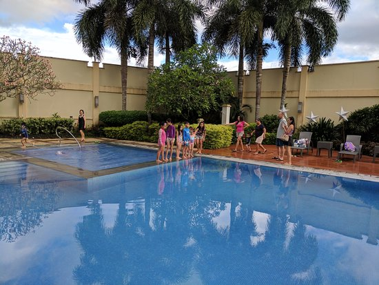 The Avenue Plaza Hotel: Pool