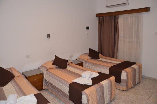 Pyramos Hotel : Вид номера