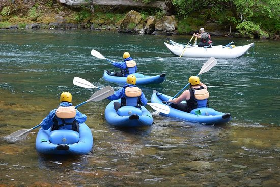 North Umpqua Outfitters: Great Inflatable kayaking trips