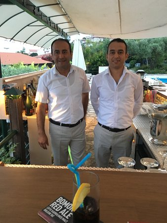 Diva Residence Hotel: Abdi and Osman - your barman and waiter