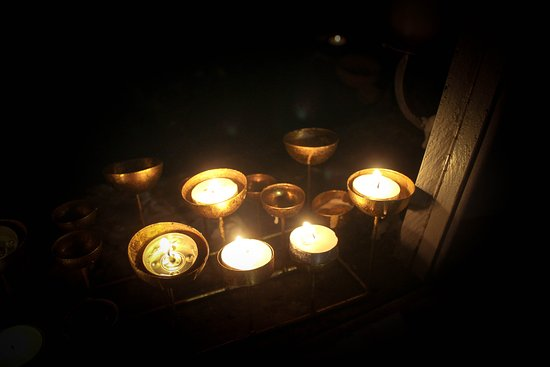 The Museum of Witchcraft and Magic: candle tribute