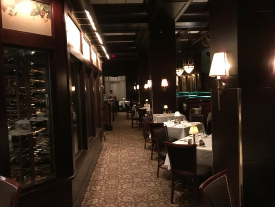 The Capital Grille: A classic steakhouse!