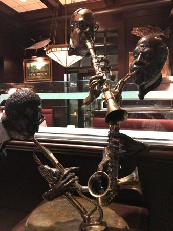 The Capital Grille: Cool art