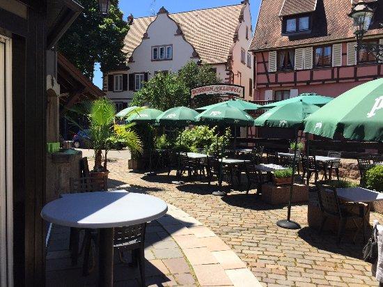 Hotel Restaurant Maison Rouge: Terrasse