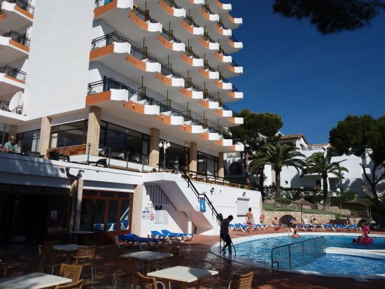 Hotel Cala Ferrera : View from pool bar